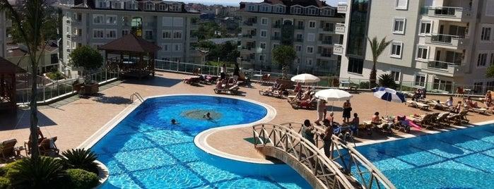 Olivecity Pool is one of Orte, die Yunus gefallen.