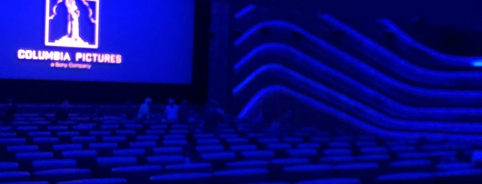 ASTOR Film Lounge is one of Locais curtidos por Jana.