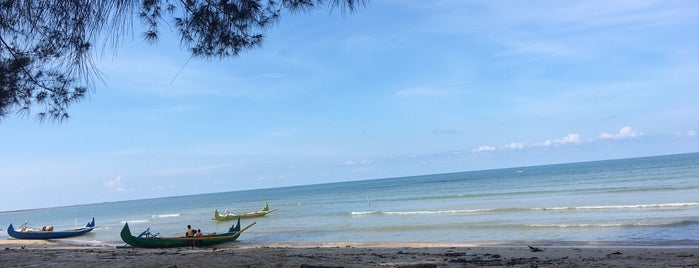 Pantai Burong Mandi is one of Arieさんのお気に入りスポット.