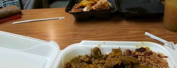 Claire's Korner Jamaican Cuisine is one of Ryan'ın Kaydettiği Mekanlar.