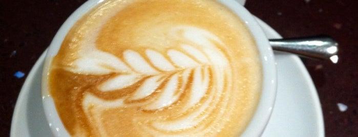 Domi Cafe is one of Lugares favoritos de Jamie.