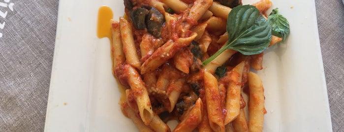 Pizza & Pasta is one of Posti che sono piaciuti a Evren.