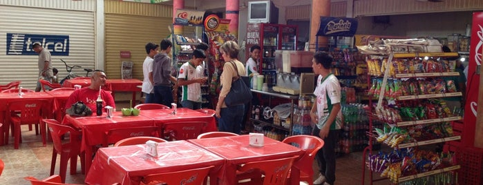 Mercado José María Morelos is one of Orte, die Ricardo gefallen.
