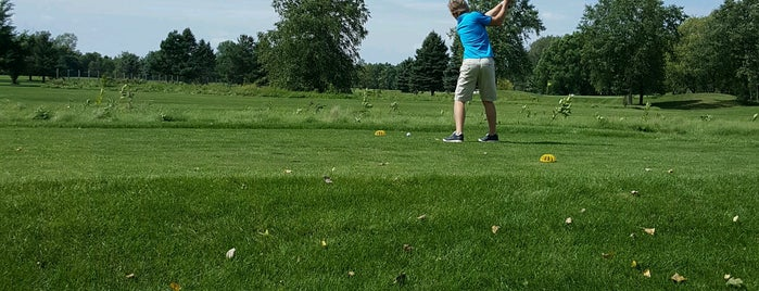 Pine Island Golf Course is one of Locais curtidos por Scotty.