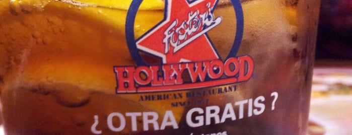Foster's Hollywood is one of Locais curtidos por Juan.