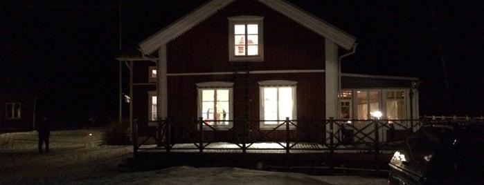 Jopikgården is one of Orte, die Simon gefallen.