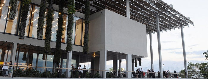 Pérez Art Museum Miami (PAMM) is one of Miami - 2016.