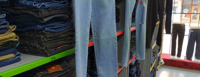 Dejour Jeans is one of Melbourne.
