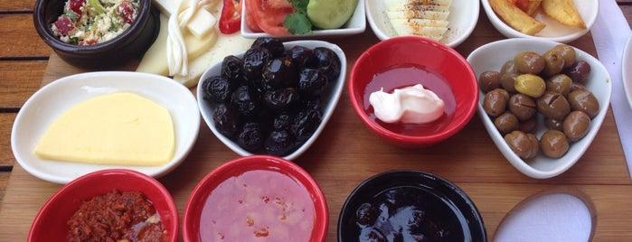 Limoon Café & Restaurant is one of Sera : понравившиеся места.