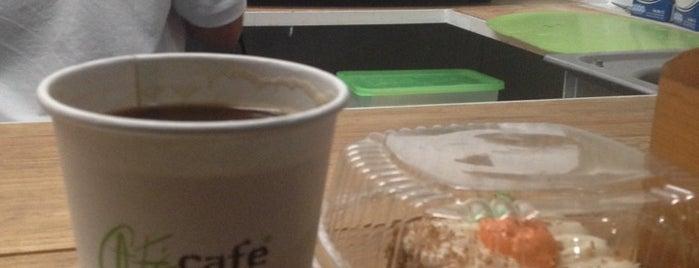 Café café is one of Chetumal.
