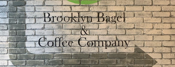 Brooklyn Bagel & Coffee Company is one of Rozanneさんのお気に入りスポット.
