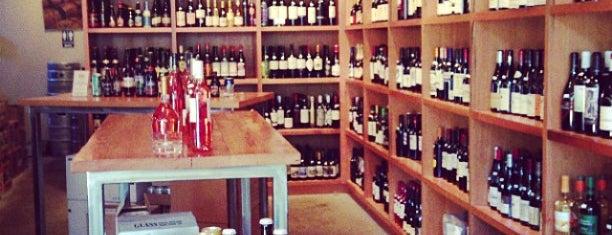 Portland Bottle Shop is one of Susan : понравившиеся места.