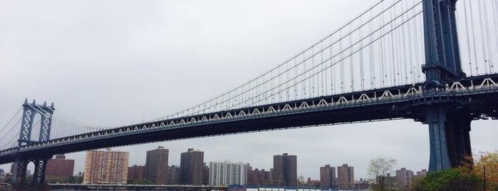 Ponte de Manhattan is one of New York.