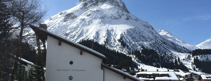 Der Berghof is one of Hotels.
