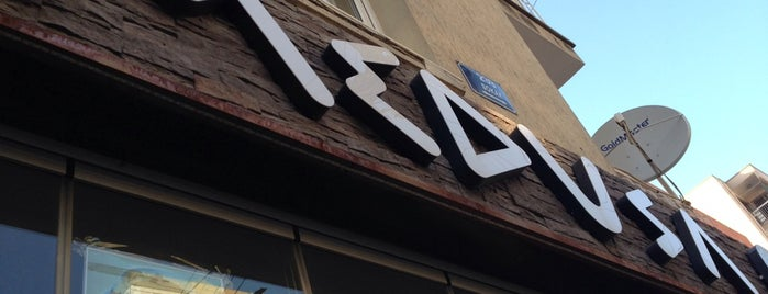 Medusa Cafe is one of izmir.