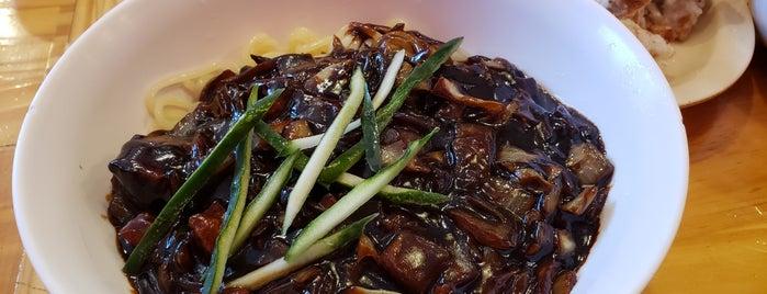 Paik's Noodle 홍콩반점 0410 is one of Lugares favoritos de Bryan.