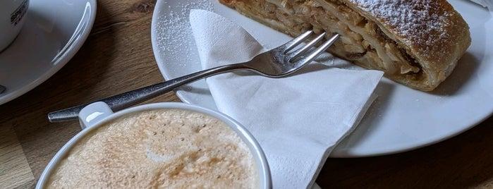 Cafe LOV is one of Posti salvati di Salla.