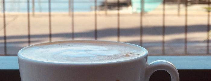 Robert's Coffee is one of Lugares favoritos de Cem.