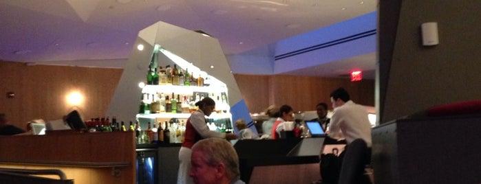 Virgin Atlantic Ticket Counter is one of สถานที่ที่บันทึกไว้ของ Renee.