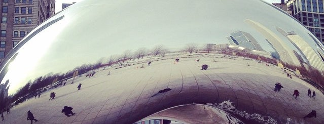Cloud Gate by Anish Kapoor is one of Bric à brac USA.