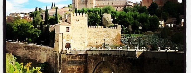 Puente de San Martín is one of toledo.