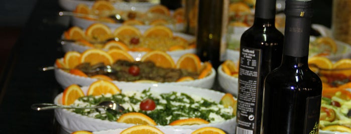 II Piccolo Mondo is one of Cairo.