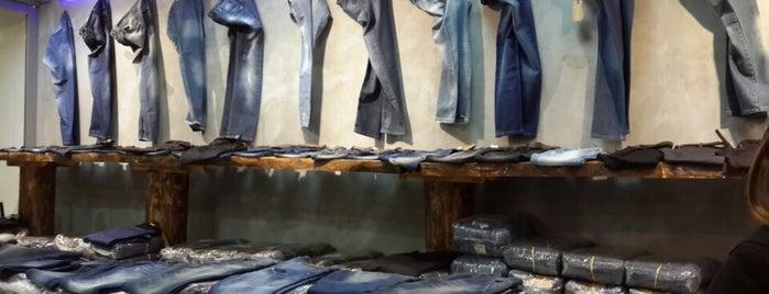 Merter Moda Tekstil Çarşısı is one of Orte, die 👑 PeRvİnn👑 gefallen.