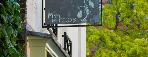 The Five Fields is one of Lugares favoritos de Mike.