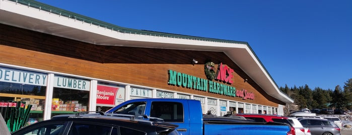 Mountain Hardware & Sports is one of Locais salvos de Gordon.