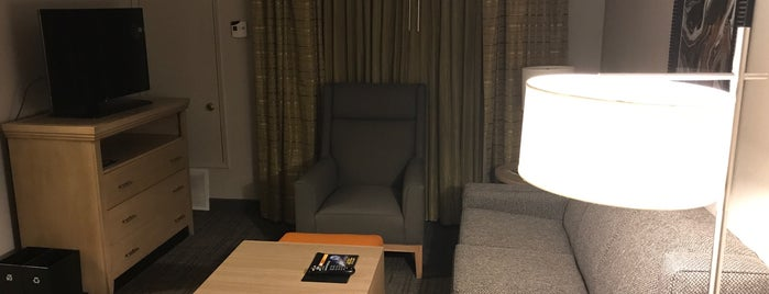 Homewood Suites by Hilton is one of Tempat yang Disukai Tanya.
