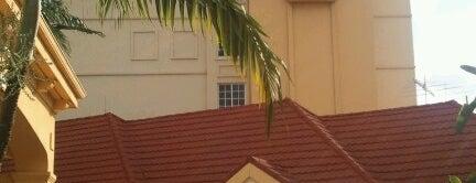 La Quinta Inn & Suites Miami Airport West is one of สถานที่ที่ Pablo ถูกใจ.