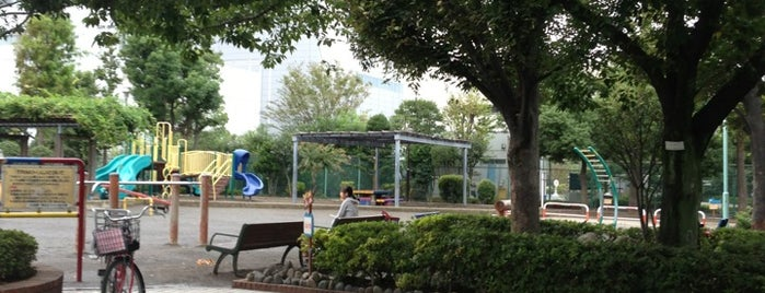 下丸子公園 is one of Public Parks with Basketball Court.