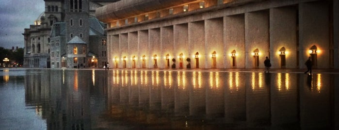 Christian Science Reflecting Pool is one of Boston ☆.