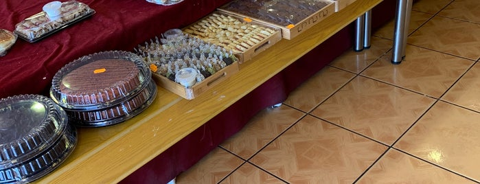 Sweets Corner is one of Riyadh Gathering Food.