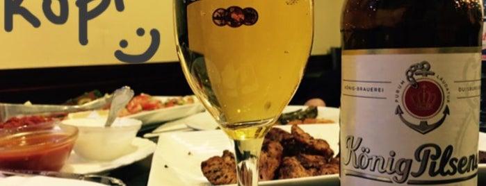 Bugaz Chicken & Kebaphaus is one of สถานที่ที่ Nadir ถูกใจ.