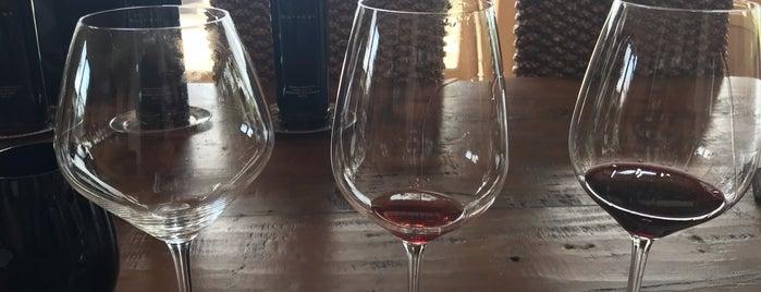 Outpost Wines is one of Tempat yang Disukai Glenda.