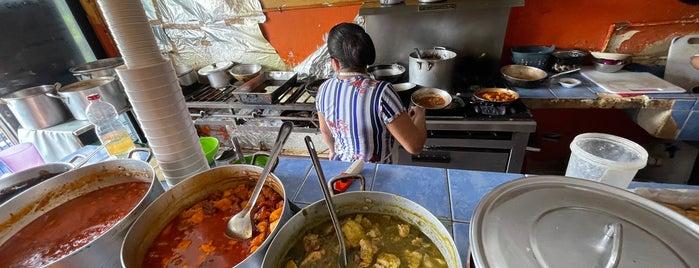 Cocina Doña Paula is one of Lugares favoritos de Damon.