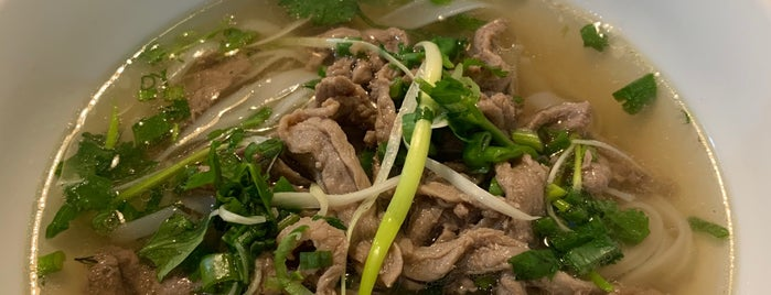 Phở King is one of Lugares favoritos de Damon.