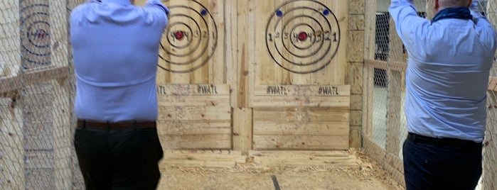 Houston Axe Throwing is one of Orte, die Ailie gefallen.