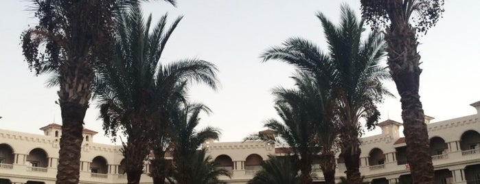 Baron Palace Sahl Hasheesh is one of Lugares guardados de Queen.