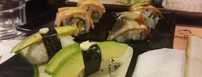 Mazu Sushi & Grill is one of Lugares favoritos de Frank.