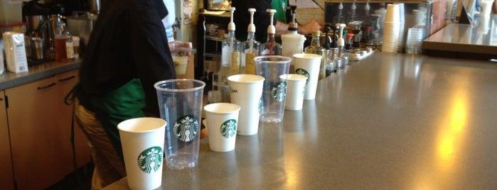Starbucks is one of สถานที่ที่ Mei ถูกใจ.