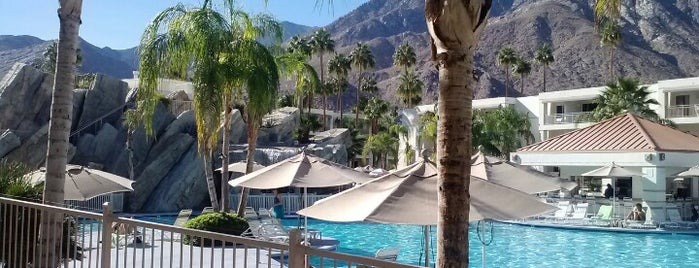 Palm Canyon Resort and Spa is one of Palm Springs to-do🌞🦕🌵🍹.
