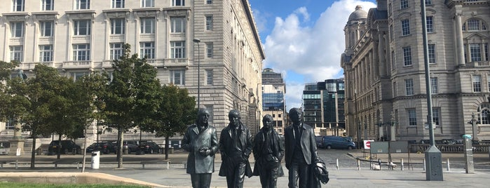 The Beatles Statue is one of Tempat yang Disimpan Sevgi.