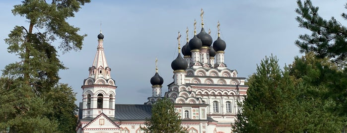 Троицкий Александро-Невский монастырь is one of Gespeicherte Orte von Andrey.