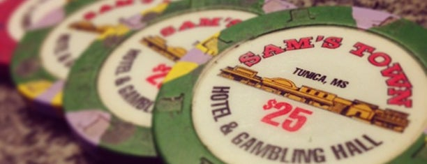 Sam's Town Tunica Hotel & Casino is one of Tempat yang Disukai Richie.