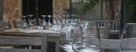 Restaurant Bernardin is one of Lieux qui ont plu à Karin.
