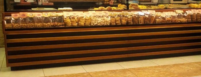 Pembegül Pastanesi is one of Locais curtidos por Hande.