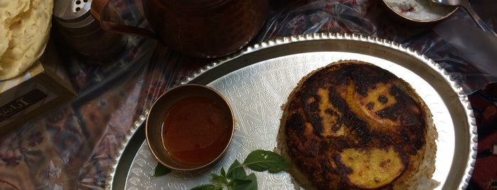 Haj Dadash Restaurant | سفره خانه سنتى حاج داداش is one of Locais salvos de Nora.