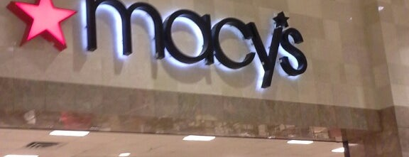 Macy's is one of Locais curtidos por Andrew.